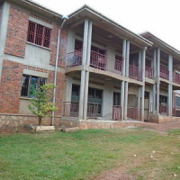5 bedrooms combined flats with family units on Sale (Kampala)