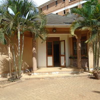 3 bedrooms House for rent in Kampala- Bukoto