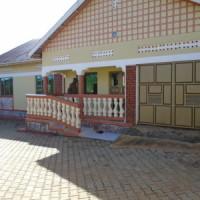 3 bedroom house For Sale ( Kyengera - Masaka Road)